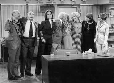 Image result for friends series finale, mary tyler moore show series finale