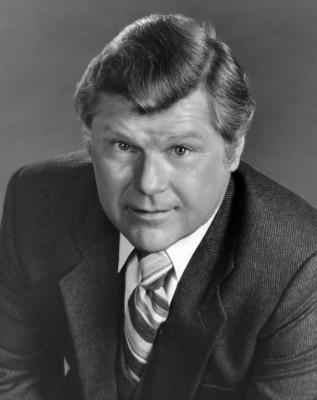 Bob Hastings dies