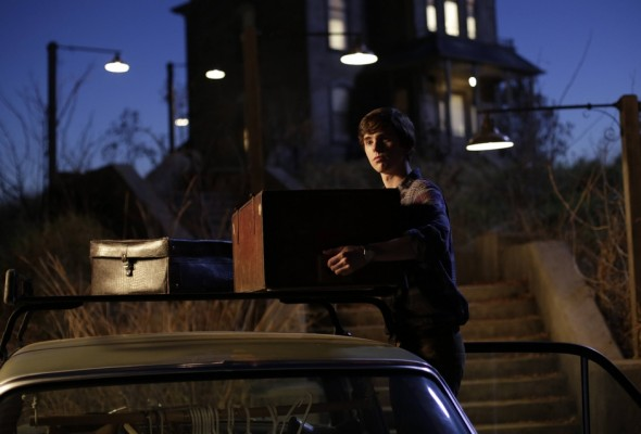 Bates Motel TV show on A&E: cancel or renew?