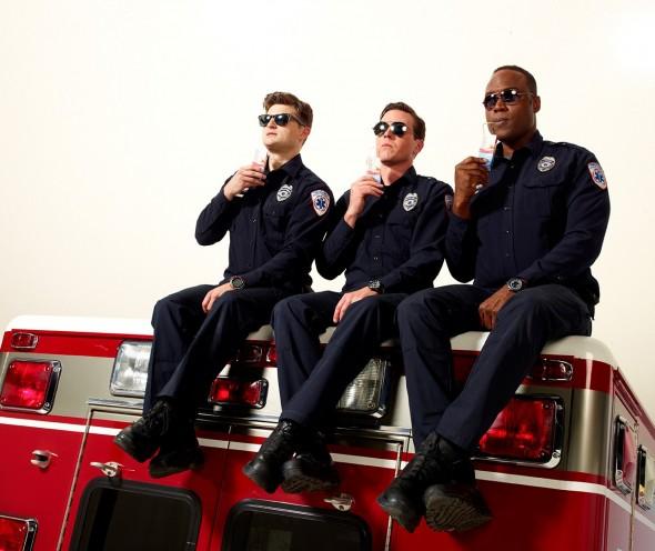 Sirens TV show on USA Network: canceled, no season 3