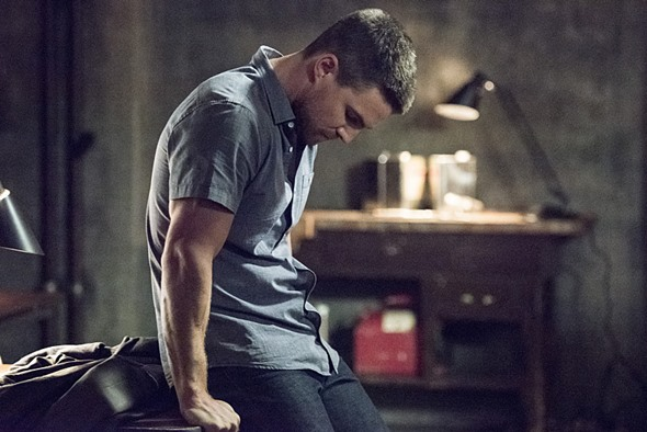 Arrow TV show on CW: premiere ratings (cancel or renew?)