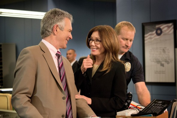 Major Crimes TV show on TNT: season 5 renewal