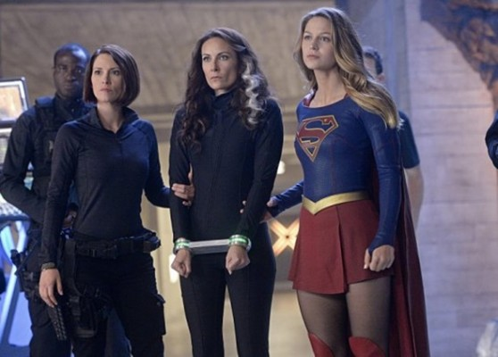 Supergirl TV show on CBS: season 1 (canceled than renewed?)
