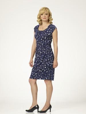 "THE REAL O'NEALS - ABC's ""The Real O'Neals"" stars Martha Plimpton as Eileen. (ABC/Bob D'Amico)"