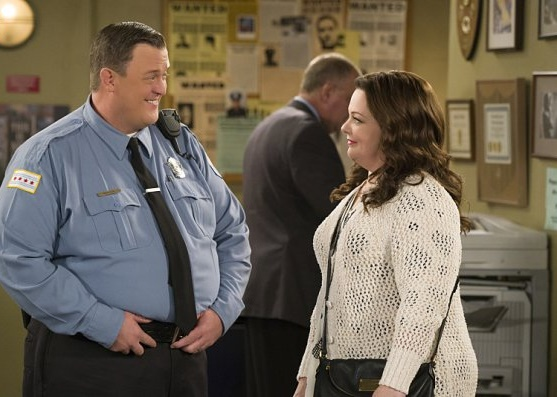 mike-molly-super-cop