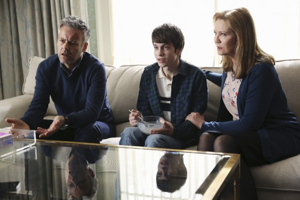 (ABC/Jack Rowand) RUPERT GRAVES, LIAM JAMES, JOAN ALLEN