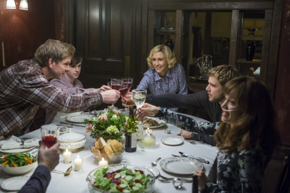 Bates Motel: Kenny Johnson, Freddie Highmore, Vera Farmiga, Max Thieriot, Olivia Cooke. Photo by James Dittiger Copyright 2016