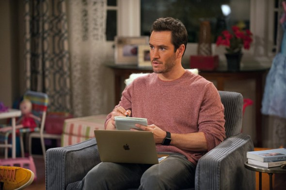 "TRUTH BE TOLD -- ""Psychic Chicken"" Episode 103 -- Pictured: Mark-Paul Gosselaar as Mitch -- (Photo by: Colleen Hayes/NBC)"