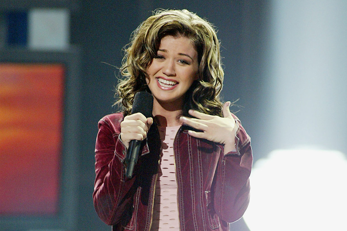 American Idol Carrie Underwood Kelly Clarkson To Perform On Series Finale Canceled Renewed Tv Shows Tv Series Finale