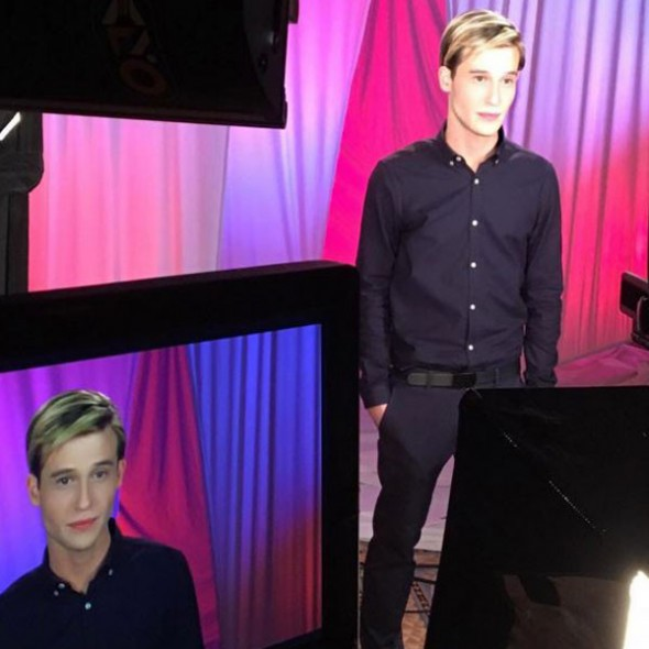 Hollywood Medium TV show on E!: season 2 renewal