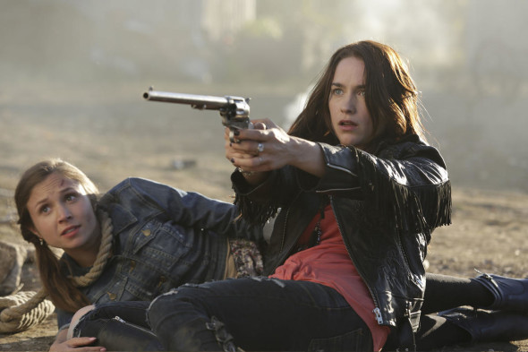 Wynonna Earp TV show on Syfy: season 1 premiere (canceled or renewed?)