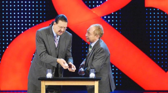 Penn & Teller Fool Us TV show on The CW season 3 (canceled or renewed?) Alyson Hannigan