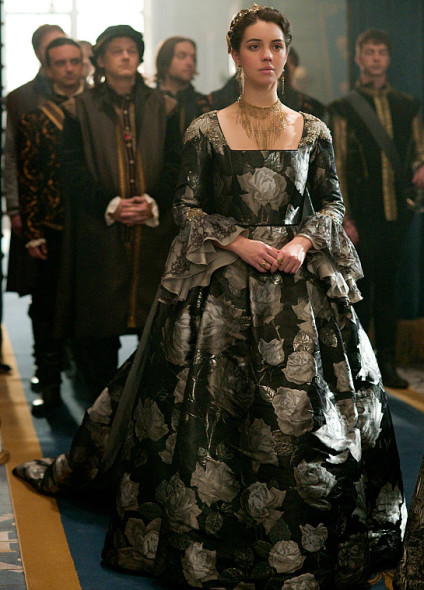 Reign TV show on The CW: season 3B premiere (canceled or renewed?)