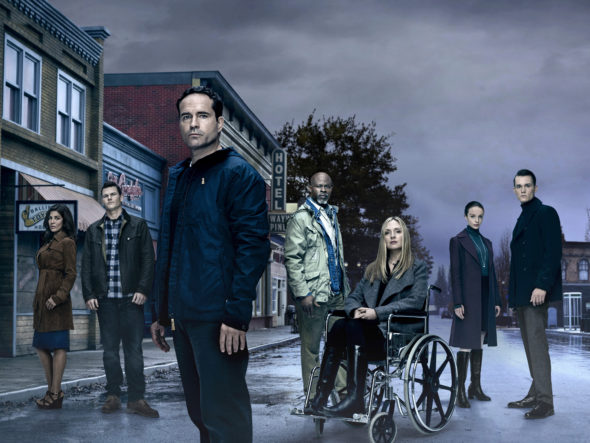 Wayward Pines TV show on FOX: season 2 premiere (canceled or renewed?)