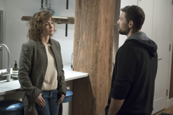 "SHADES OF BLUE -- ""One Last Lie"" Episode 113 -- Pictured: (l-r) Jennifer Lopez as Det. Harlee Santos, Gino Anthony Pesi as James Nava -- (Photo by: Peter Kramer/NBC)"