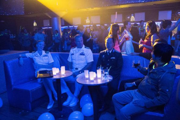The Last Ship TV show on TNT: season 3 trailer (canceled or renewed?).