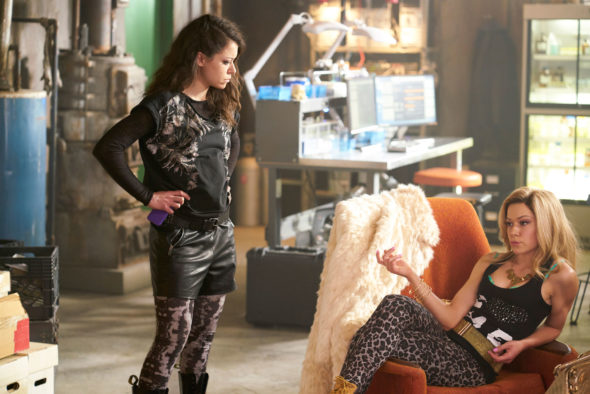 Orphan Black TV show on BBC America: renewed for a fifth and final season by Space.