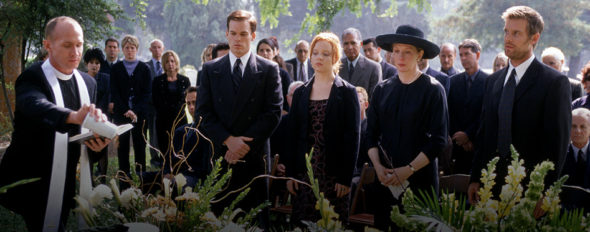 Six Feet Under TV show on HBO: season 6 (canceled or renewed?). Cancelled.