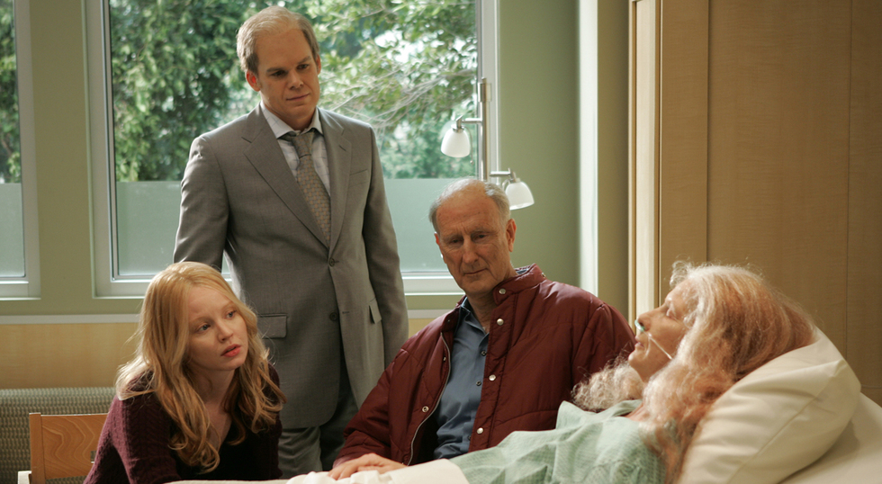 Everything Ends Six Feet Under: Six Feet Under: Creator Recalls The Iconic HBO Series