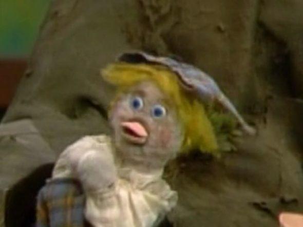 Mister Rogers Neighborhood TV show on PBS Ana Platypus; pupeteer Carol Switala dies at age 69.