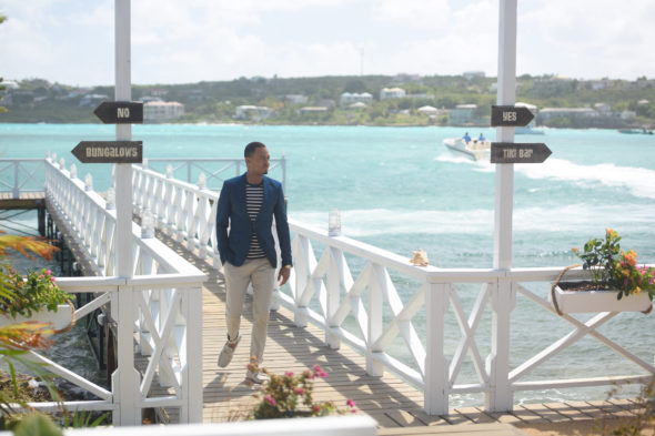 "COUPLED: Host Terrence ""J"" Jenkins in the ""Mutual Distraction"" episode of COUPLED airing Tuesday, July 19 (9:00-10:00 PM ET/PT) on FOX. ©2016 Fox Broadcasting Co. Cr: Michael Becker/FOX"