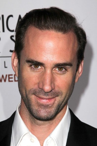 Joseph Fiennes to star in The Handmaid's Tale TV show on Hulu: season 1 (canceled or renewed?).