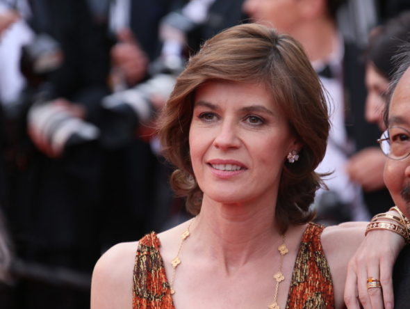 Irène Jacob cast in The Affair TV show on Showtime: season 3 (canceled or renewed?).
