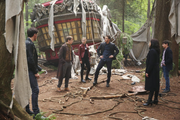 Once Upon a Time TV show on ABC: season 6 premiere photos (canceled or renewed?)