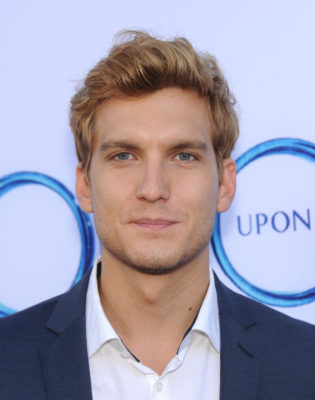 scott michael foster 2014