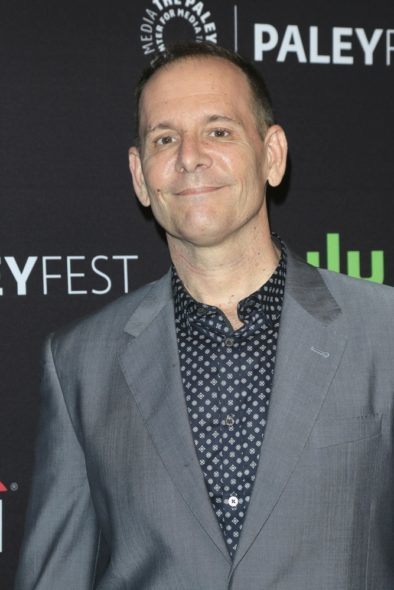 Tim Minear: co-showrunner Feud TV show on FX: season 1 (canceled or renewed?)