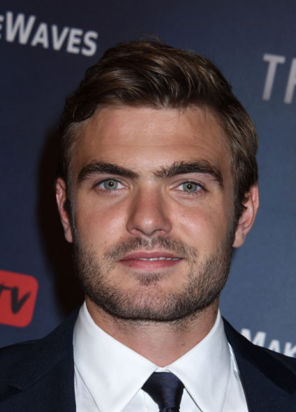 Alex Roe. The Deep TV show pilot on Freeform: production begins (canceled or renewed?)