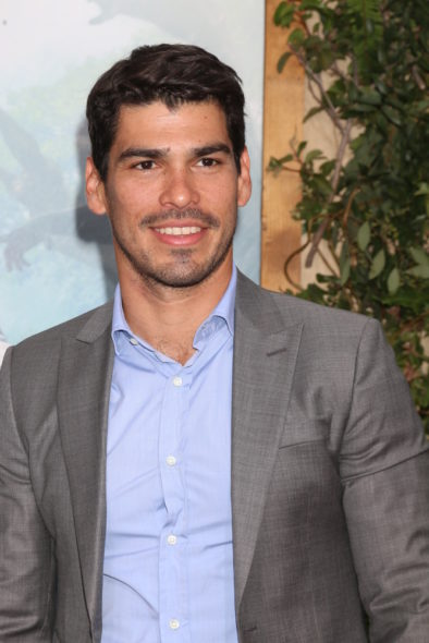 Raul Castillo recurs as Oscar on Riverdale TV show on The CW: season 1 (canceled or renewed?)