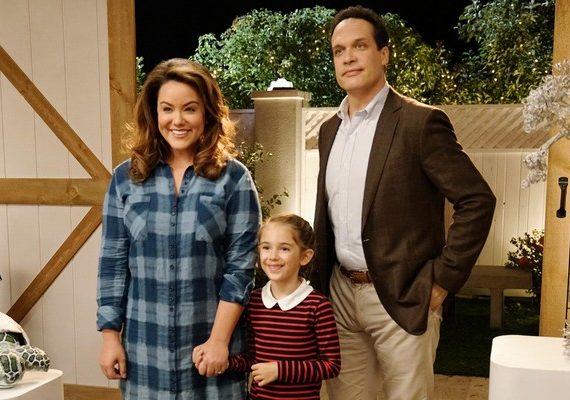 American Housewife ABC Sitcom Gets a Full Season Order canceled