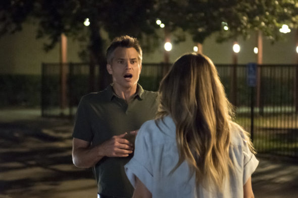 Santa Clarita Diet TV show on Netflix: season 1 premiere date (canceled or renewed?)
