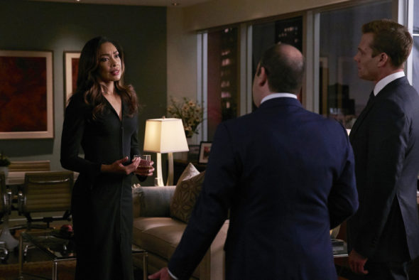 Suits TV show on USA Network: season six returns (canceled or renewed?)