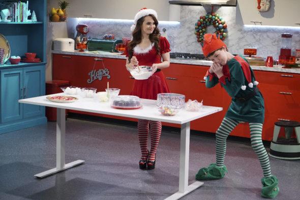 Bizaardvark TV show on Disney Channel: season 2 renewal (canceled or renewed?)