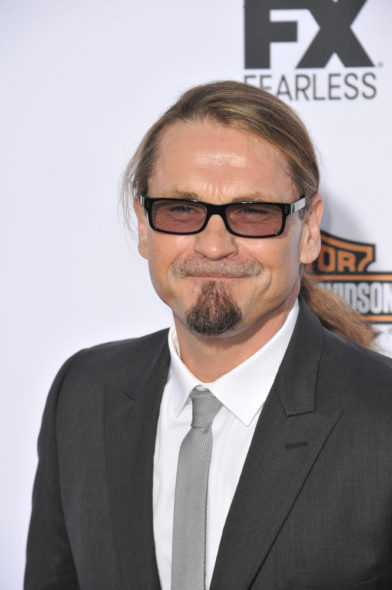 Kurt Sutter to direct the Mayans MC TV show pilot for FX: canceled or renewed?