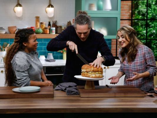 Kitchen Sink TV show on Food Network: canceled or renewed?