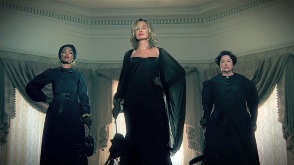 American Horror Story TV show on FX: canceled or renewed?