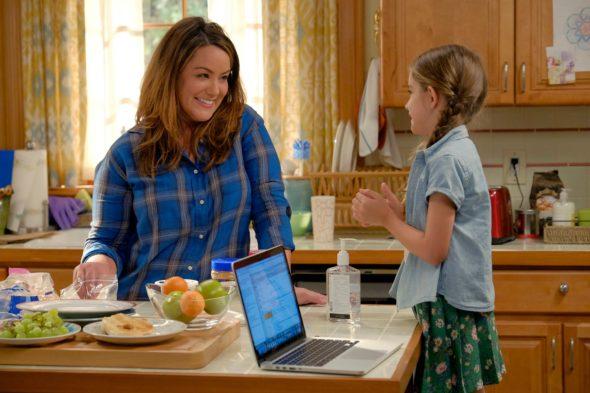 American Housewife TV show on ABC: season 2 (canceled or renewed?)
