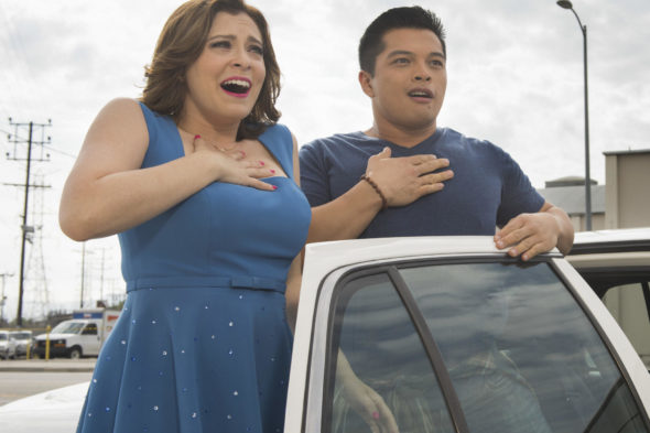 Crazy Ex-Girlfriend TV show on The CW: season three renewal