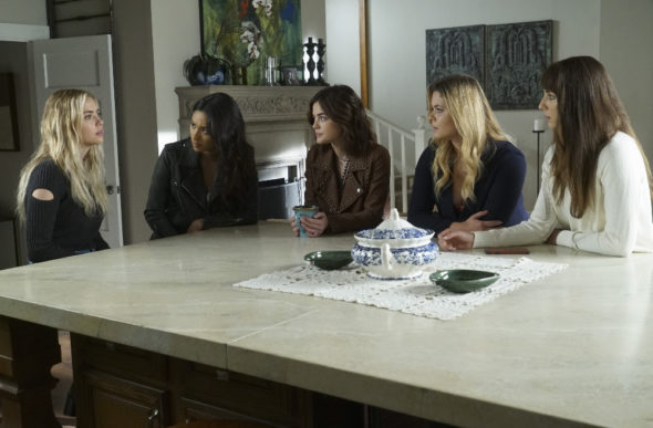 Pretty Little Liars TV show on Freeform: canceled or season 8? (release date)