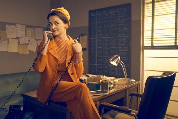 Feud TV show on FX: season 1 (canceled or renewed?)