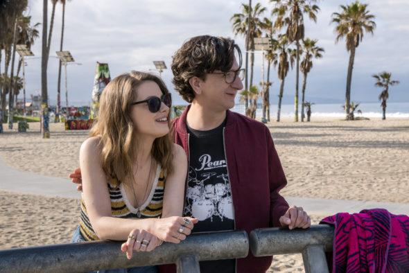 Love TV show on Netflix: season 3 renewal (canceled or renewed).