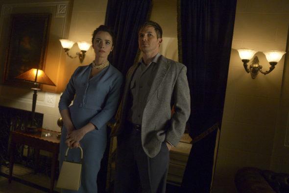 Timeless TV show on NBC: season 2 (canceled or renewed?)