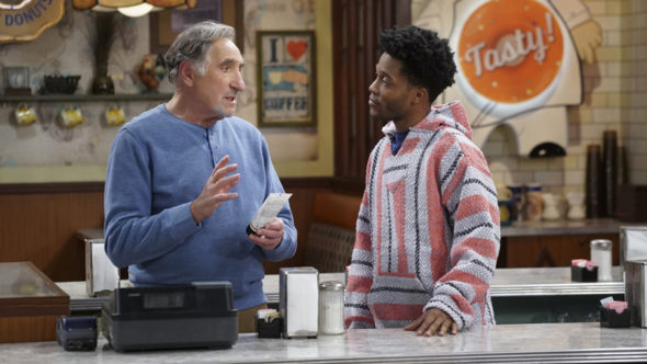 Superior Donuts TV show on CBS: season 2
