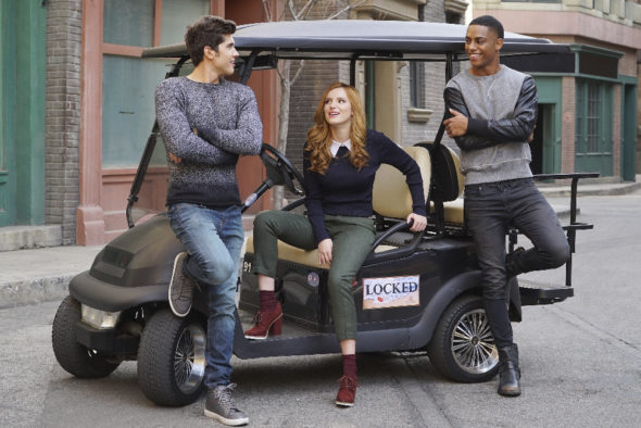 Famous in Love TV show on Freeform: canceled or season 2? (release date)