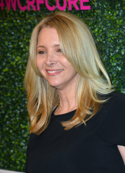 Lisa Kudrow joins the Grace and Frankie TV show on Netflix: season four renewal (canceled or renewed?)