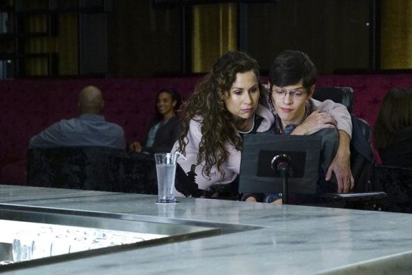Speechless TV show on ABC: season 2 renewal (canceled or renewed?)