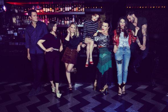 Younger TV show on TV Land: season 5 renewal (canceled or renewed?)